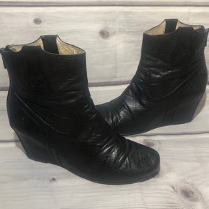Frye Carson Wedge Booties Black Size 8